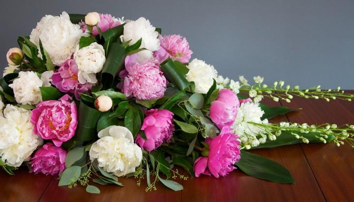 Casket Spray Sympathy Flowers