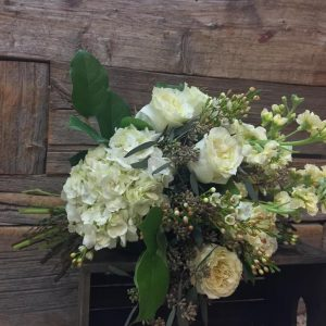 European Hand Tied Bouquet – (no vase) 9485-1