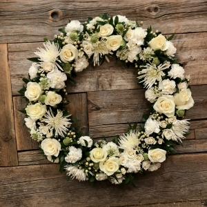 Classic White Sympathy Wreath – Large