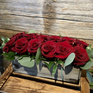 Box of Love – 12 Red Roses